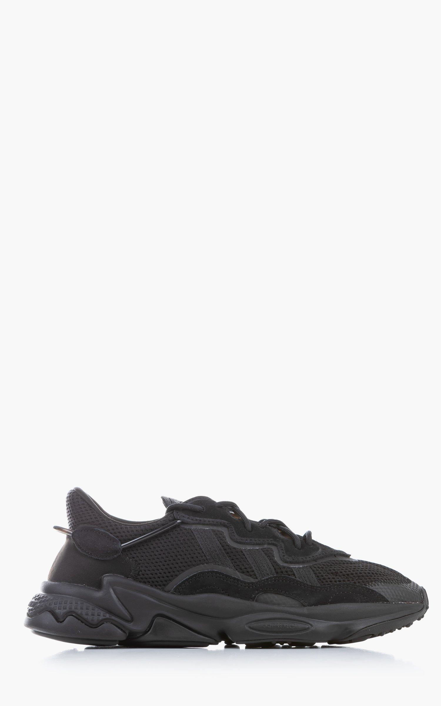Adidas Originals Ozweego Black/Black/Carbon
